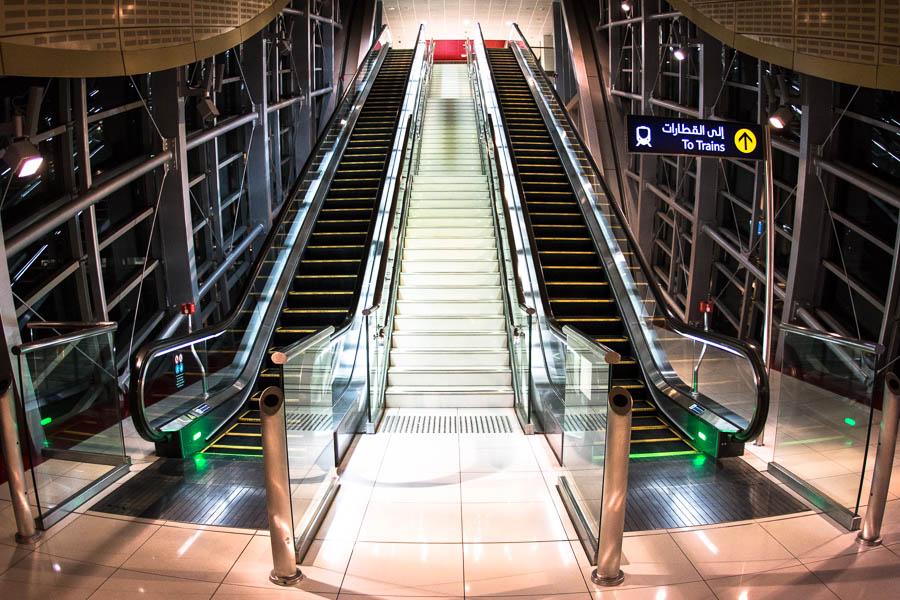 So leer ist die Eingangshalle zur Dubaier Metro nur nachts, wenn sie nicht fährt.