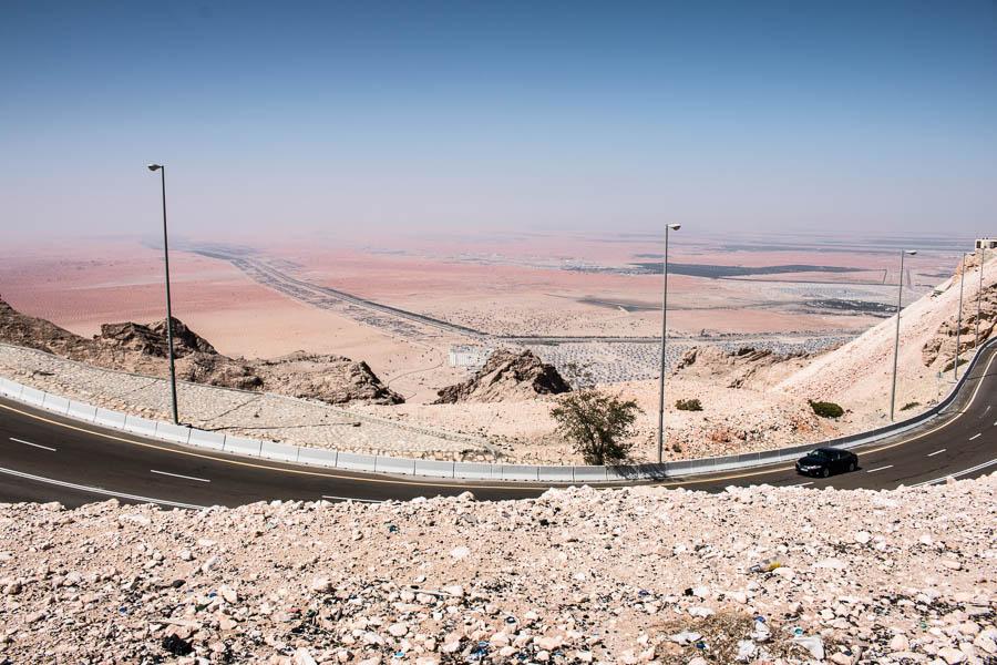 Blick vom Jebel Hafeet auf die Ausläufer von Al Ain